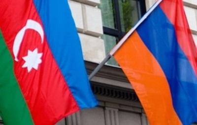 Иран призвал Армению и Азербайджан к сдержанности