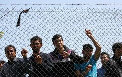 Греция приостановила возврат беженцев в Турцию
