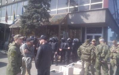 Захват отеля в Киеве: нашли оружие и взрывчатку
