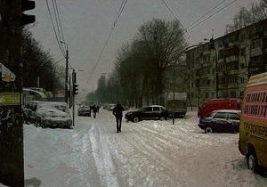 новости Киева - снегопад - В Киеве и области понедельник объявлен выходным днем