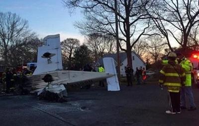 Около Нью-Йорка на жилой квартал упал самолет