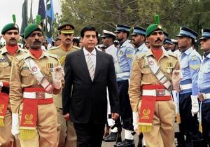 В Пакистане после многотысячных протестов арестуют премьер-министра