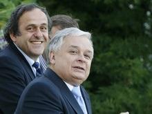 Польша не собирается отбирать у Украины матчи Евро-2012