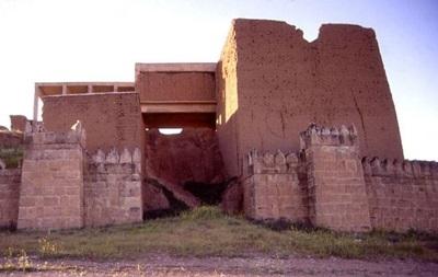 Бойовики ІД зруйнували  Ворота Бога  в Іраку