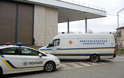 В Одесі перевіряють повідомлення про замінування двох судів
