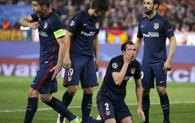 Суарес залишив гравцеві Атлетіко величезний синяк під оком