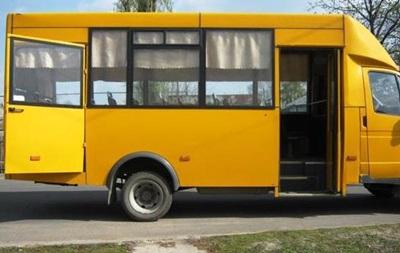 У Лисичанську двоє дітей на ходу випали з маршрутки