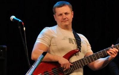 Побитий басист групи  Любе  помер
