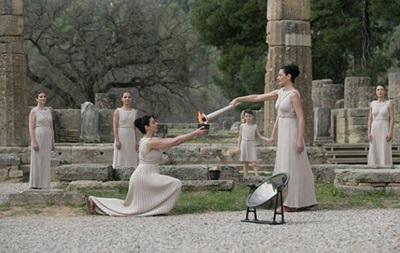 Олімпійський вогонь до Ігор-2016 в Ріо запалений в Греції