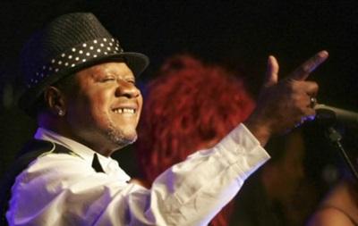 Африканський співак Папа Вемба помер на сцені