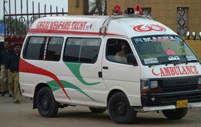 У Пакистані померли 23 людини, з ївши солодощі
