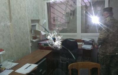 В Станице Луганской обстреляли отдел полиции