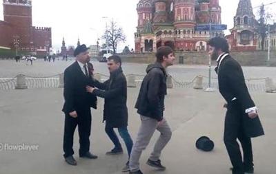 У Москві побилися двійники Пушкіна і Леніна