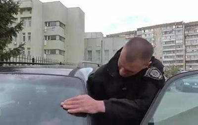 У поліції розповіли про звільненого копа з шевроном Беркута