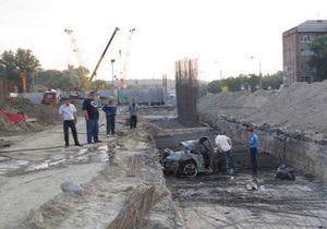 Сегодня ночью в Киеве разбился и сгорел спорткар Porsche 911 Carrera: трое погибших