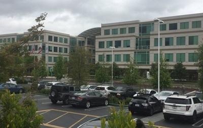 У штаб-квартирі Apple знайшли труп