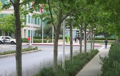 Знайдений мертвим у штаб-квартирі Apple чоловік застрелився