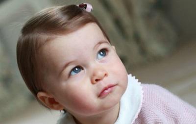 Опубликованы новые фотографии принцессы Шарлотты