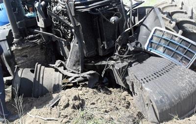 У Донбасі на міні підірвався трактор