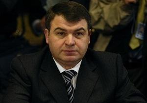 Сердюков снова отказался давать показания во время допроса в Следственном комитете РФ