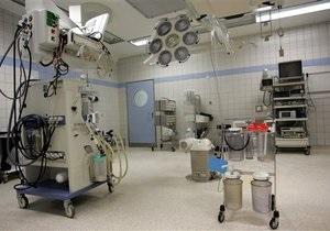 В России скончалась девушка во время пластической операции
