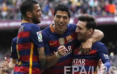 Барселона забила п ять голів у дербі і залишається на першому місці