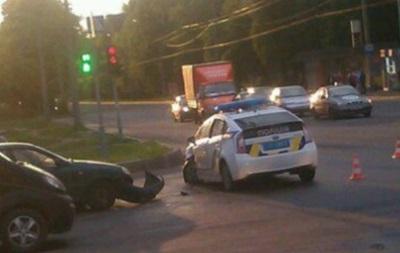 В Харькове авто патрульных попало в ДТП