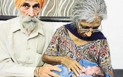 В Індії жінка народила первістка в 72 роки