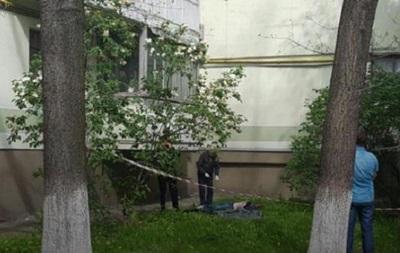 В Киеве погиб журналист, выбросившись из окна