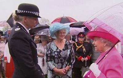 Королева Єлизавета ІІ назвала китайських посадовців  грубими