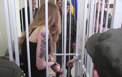 Доброволець  Айдара  порізала собі вени в суді