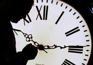 Сегодня Кабмин рассмотрит законопроект о переводе часов