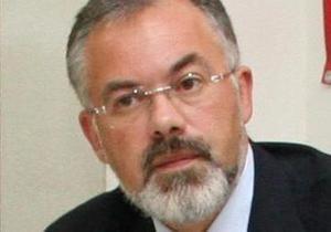 Табачник рассказал, что ему шлют sms с именами убитых министров