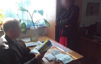 Керівника столичного ВНЗ піймали на хабарі