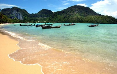 Таїланд закриває острів Тачай для туристів