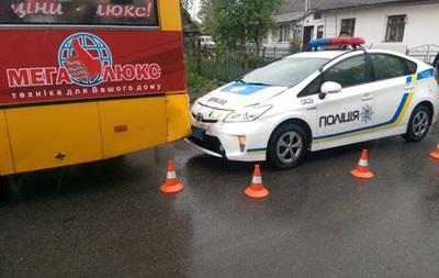 В Тернополе полицейское авто врезалось в маршрутку