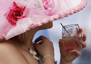 Женщинам после 50 лет полезен алкоголь - ученые