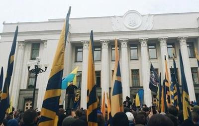 Азовці  пригрозили фізичною розправою нардепам