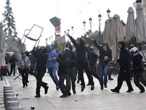 В Афинах произошли столкновения между анархистами и праворадикалами