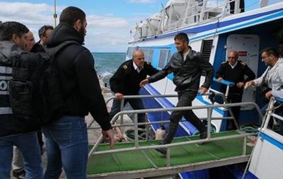 Европол: 20 человек арестованы за подделку документов для беженцев
