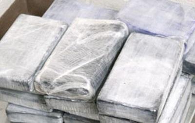 В Голландии задержали 150 кг кокаина с наркокурьером-украинцем