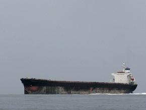 У берегов США столкнулись два грузовых судна. В воду попало 80 тысяч литров нефти