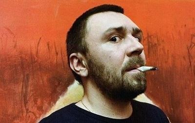 Шнурова оштрафували за куріння на сцені