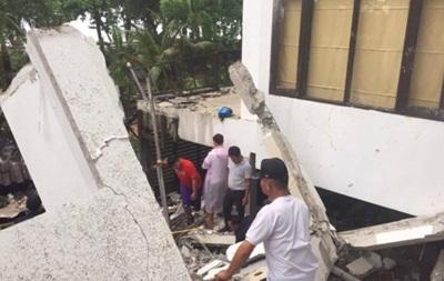 В Таиланде обрушился отель: под завалами туристы