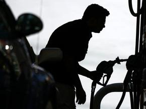 Кабмин обещает стабилизацию цен на бензин