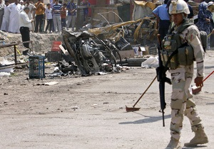 Число жертв воскресных терактов в Ираке превысило сто человек