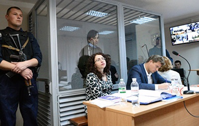 Адвокат ГРУвця подала в суд на Порошенка