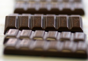 Те, кто едят шоколад,  стройнее , полагают ученые