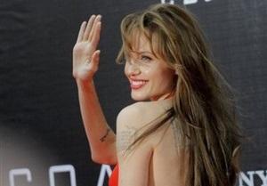 Тысячи москвичей собрались, чтобы увидеть Анджелину Джоли