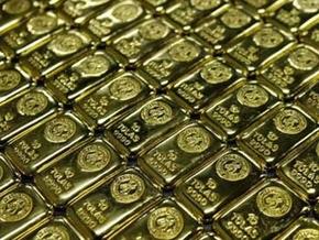 Золото на торгах в Нью-Йорке достигло рекордной отметки $1200 за унцию